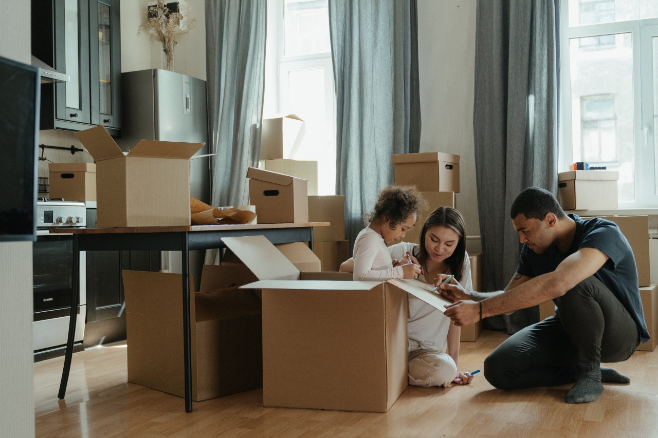 Organizational Tips for Moving Long Distance With Children
