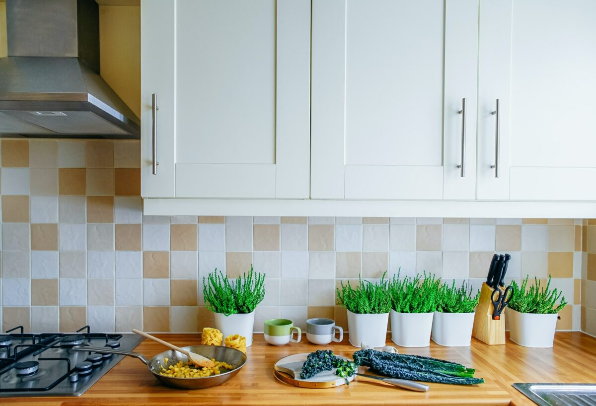 Essential things to consider when selecting the ideal kitchen tile!